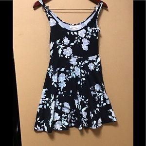 Cute dress by Apostale